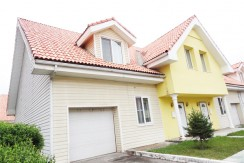 4-bedroom Townhouse Near Sky Shopping Center