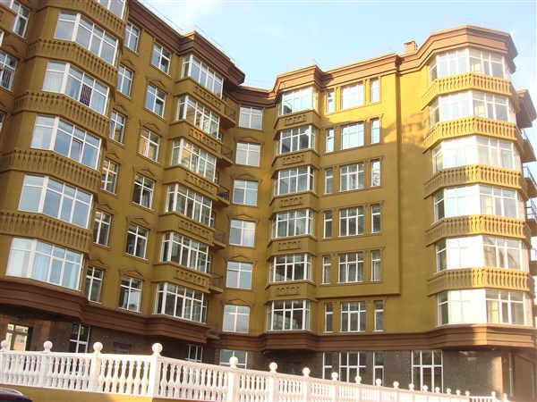 3-Bedroom apartment in Tsetsens Diamond Building for Sell