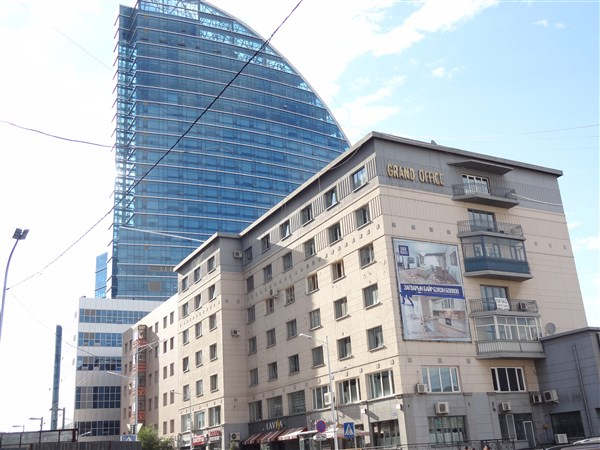 Office Space (160m²) for rent in Grand Office