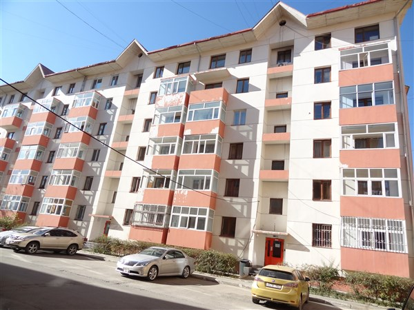 3-bedroom apartment  near Home Plaza