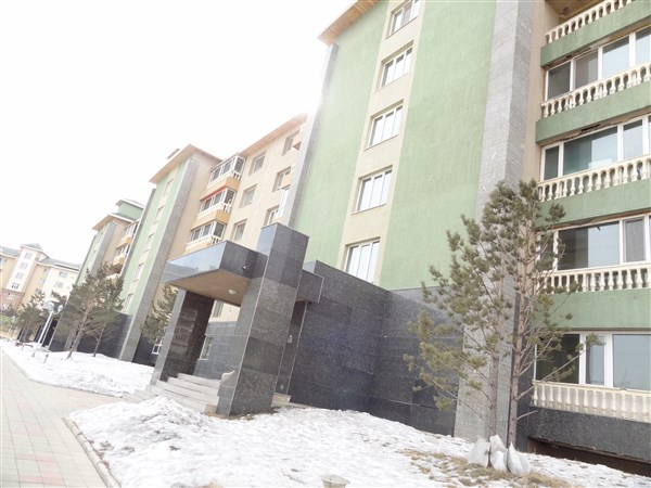 3-bedroom Apartment in Zaisan Green Villa