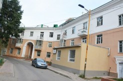 2-bedroom Apartment Behind the Government House