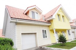 4- bedroom Townhouse in Selbe Hothon next to Orchlon School